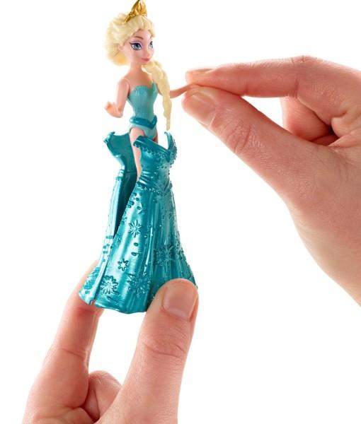 Disney-Frozen-MagiClip-Flip-N-Switch-Castle-and-Elsa-Doll-B00MIRWCQI-4